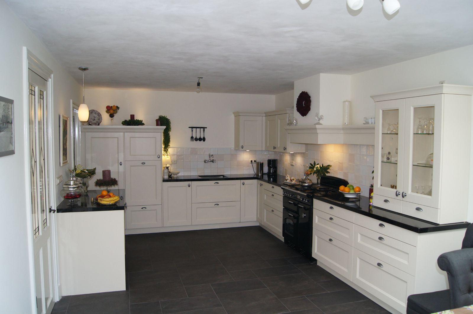 Keuken voorbeelden landelijk interieur meubilair idee n for Landelijk interieur voorbeelden
