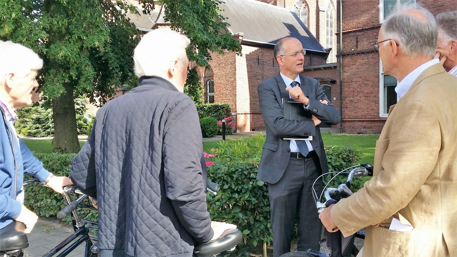 Bezoek burgemeester Onno van Veldhuizen 10 juni 2016