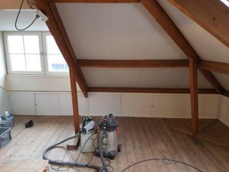 Slaapkamer op de zolder gemaakt