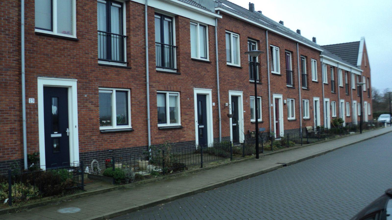 Totale timmerwerk, kappen, goten, stelwerk etc. aangenomen voor 223 woningen Beverwijk.