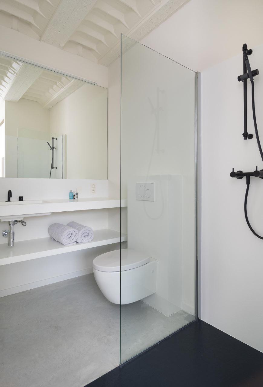 Nieuwbouw badkamer geplaatst in Sint-Niklaas. | Bubbles & Co