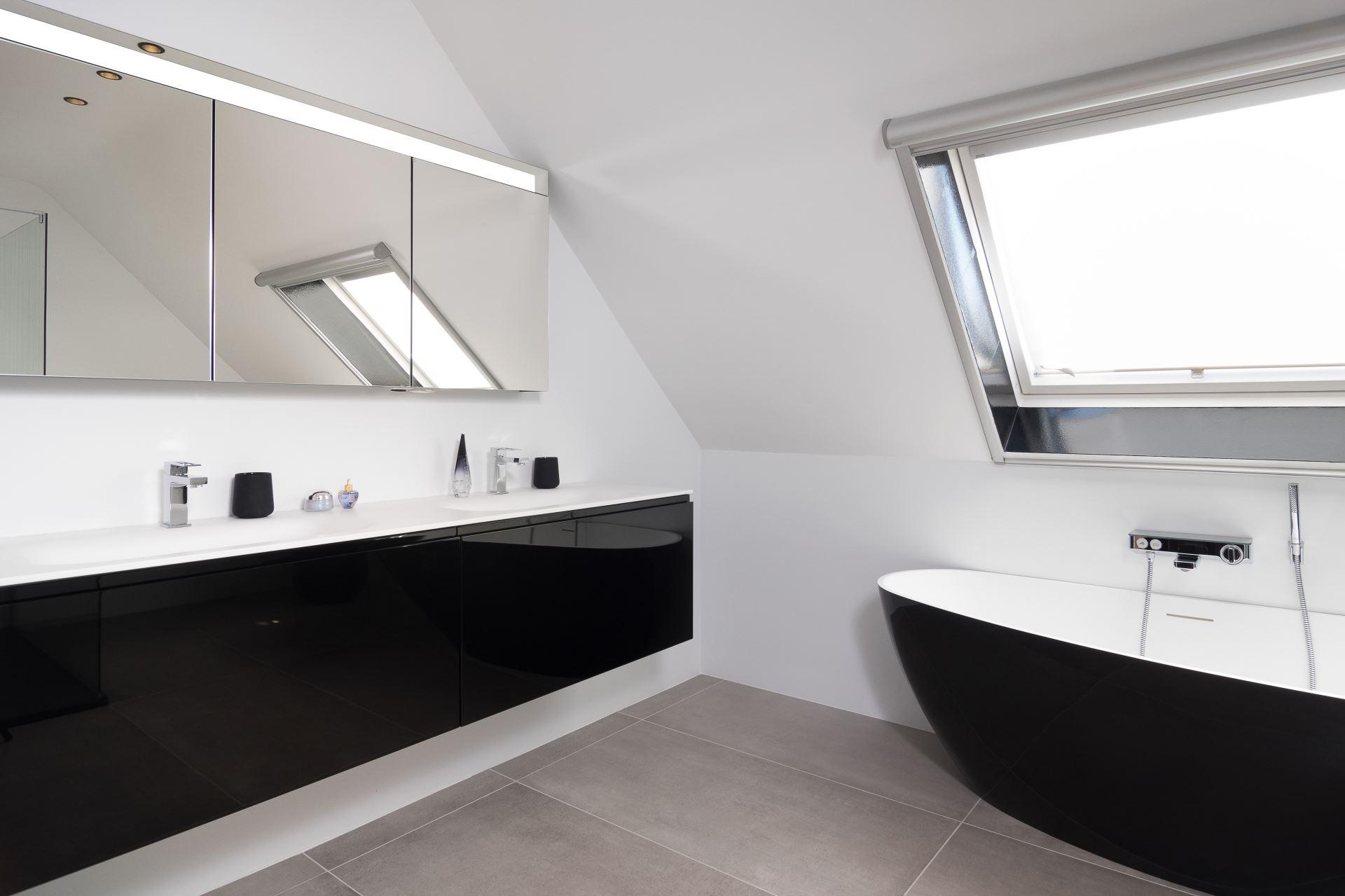 Badkamer Sanitair Brugge : Bubbles co dé badkamerspecialist